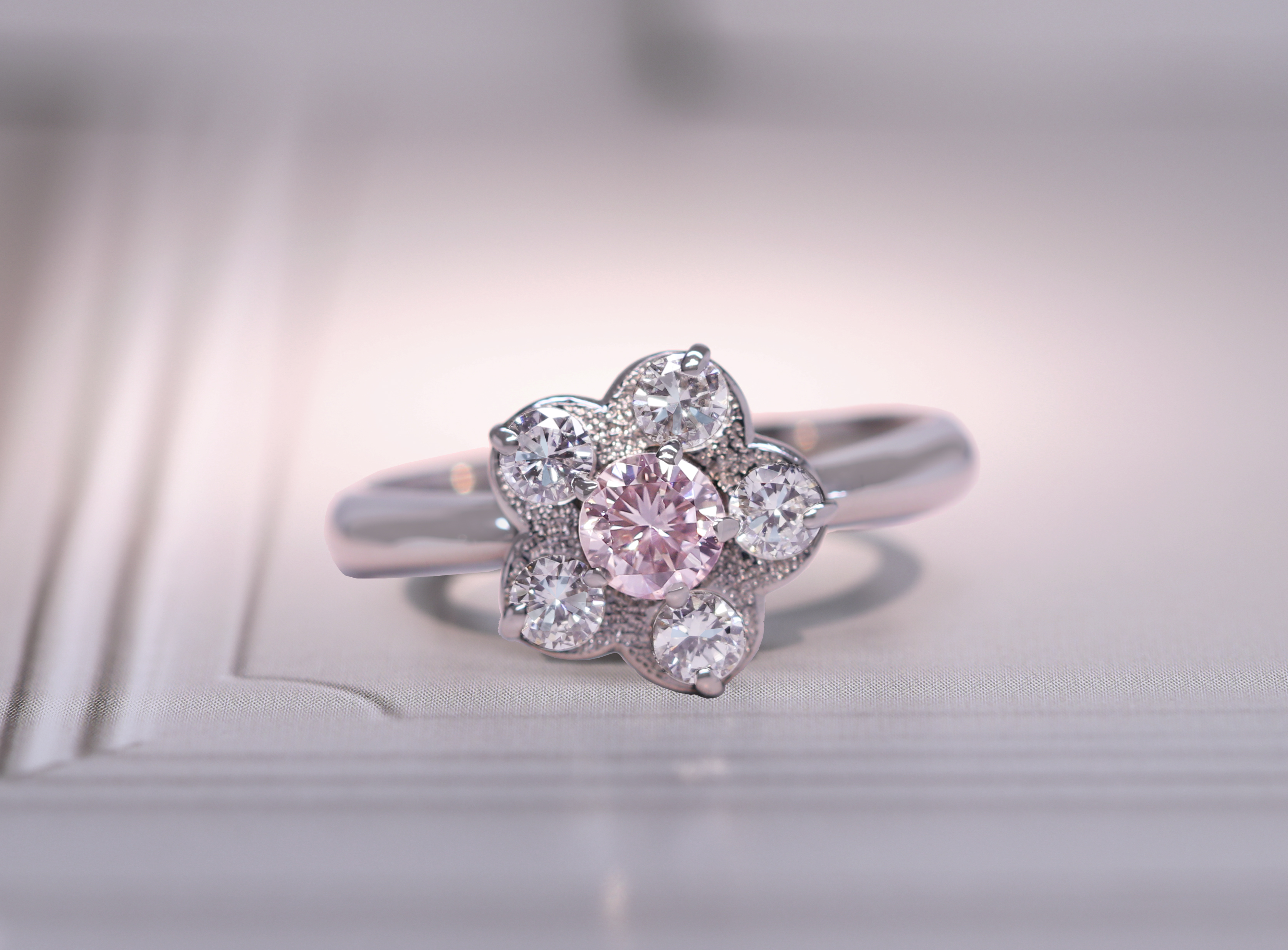 ピンクダイヤモンド カラーダイヤモンド ダイヤモンド 天然 ナチュラル 希少 レアPT900 0.314ct LIGHT PINK SI2 ピンクダイヤモンド リング 0.67ctダイヤモンド ※AGTソーティングシート付