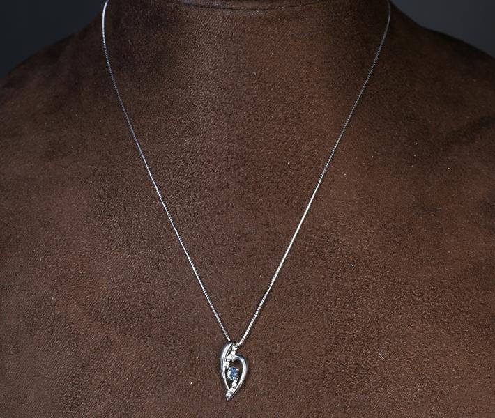 ジュエリー通販ジュエルプラネット アレキサンドライト ペンダントトップ 0.25ct/ダイヤモンド 0.05ct PT900