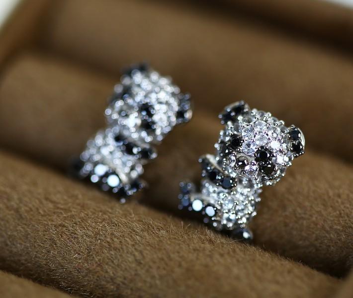 ダイヤモンド/ブラックダイヤモンド アニマルピアス K18ホワイトゴールド パンダモチーフ