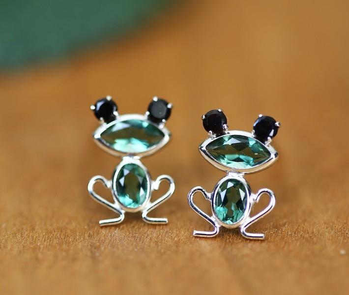 カエルモチーフピアス ブラックダイヤモンド K10WG アニマルピアス
