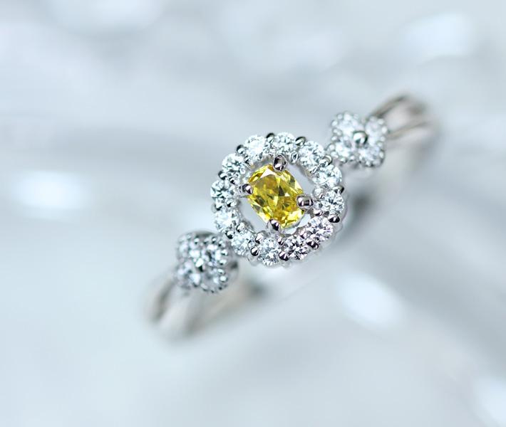 【新作!!】PT900 イエローダイヤモンド リング 0.122ct FANCY VIVID YELLOW SI1 ダイヤモンド 0.169ct