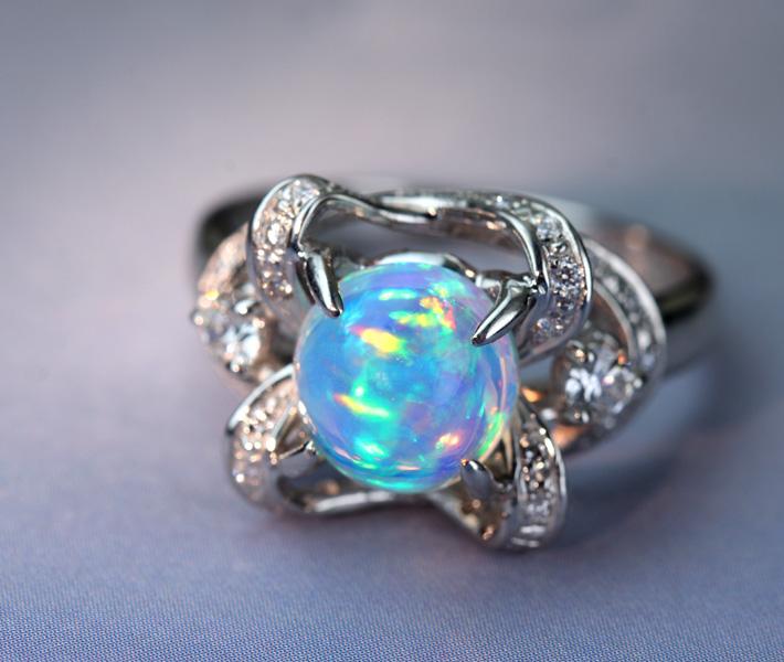 【新作!!】PT900 ウォーターオパール リング 1.9ct ダイヤモンド 0.34ct 【一点物】