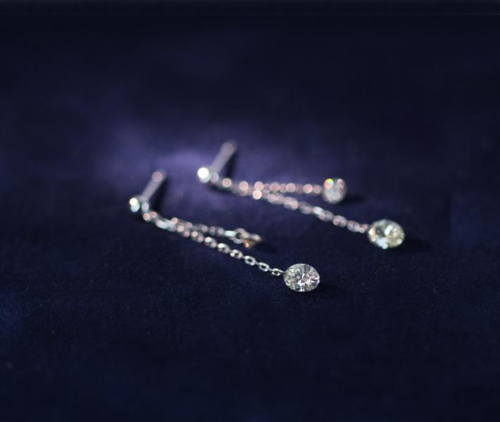 K18WG ダイヤモンド 0.37ct/0.31ct ピアス レーザーホール