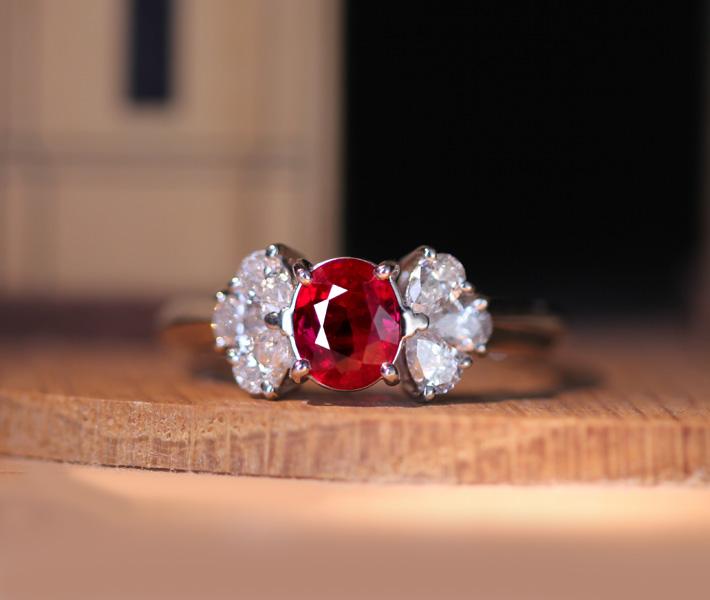 PT900 ビルマ産ピジョンブラッドルビー0.977ct リング ダイヤモンド 0.48ct※日宝協鑑別書付