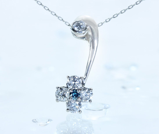 PT900 ブルーダイヤモンド ペンダントトップ ダイヤモンド 0.51ct