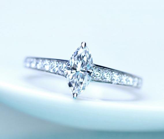【HANDAMDE】 PT950 0.56ct D SI1 ダイヤモンド リング 0.334ct ダイヤモンド※中央宝石研究所ソーティングシート付
