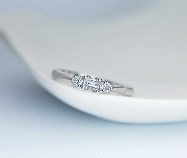 PT900 ダイヤモンド 0.129ct E VS1 ダイヤモンド 0.106ct リング ※DGL鑑定書付 ステップカット