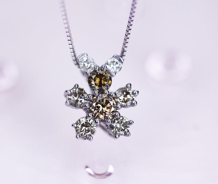 K18WG ダイヤモンド/ブラウンダイヤモンド 1ct ネックレス ベアモチーフ
