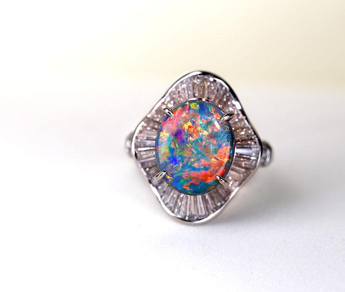 【特別価格】ブラックオパール 4.76ct ダイヤモンド 1.83ct リング 取り巻き バゲットカット