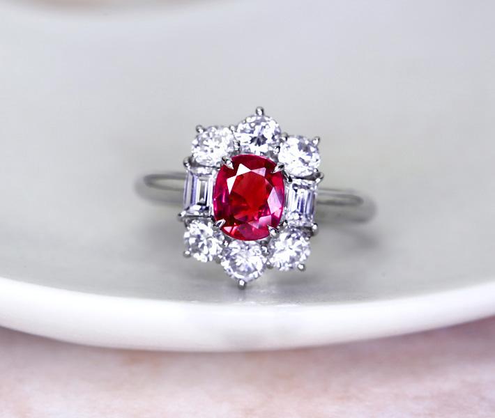 【1ctアップ】PT900 ルビー 1.032ct ダイヤモンド 1.43ct リング【送料無料】ダイヤ取り巻き オーバル